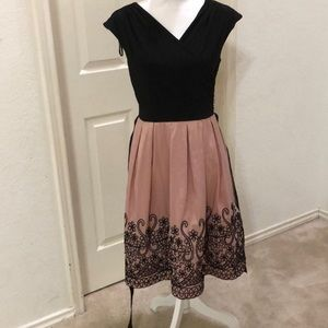 NWT SL Fashion cap sleeve dress with embroidery
